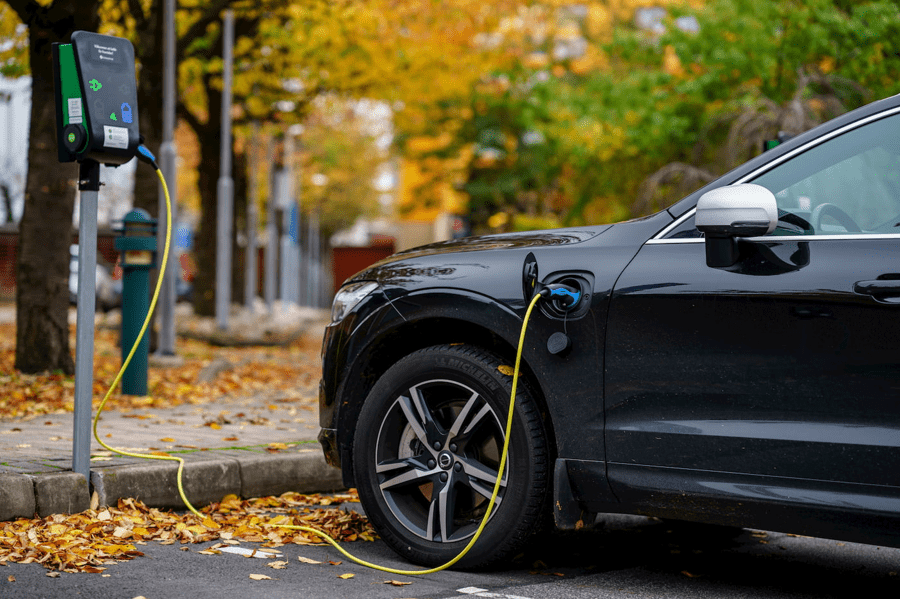 Electric car insurance: an EV charging
